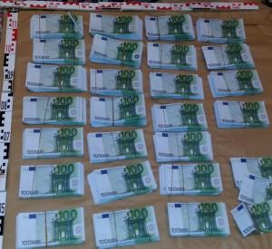 Eine etwas andere Weihnachtsgeschichte: 250.000 € Falschgeld auf dem Gabentisch